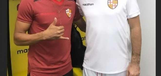 Jugadores de BSC junto a Pirlo.