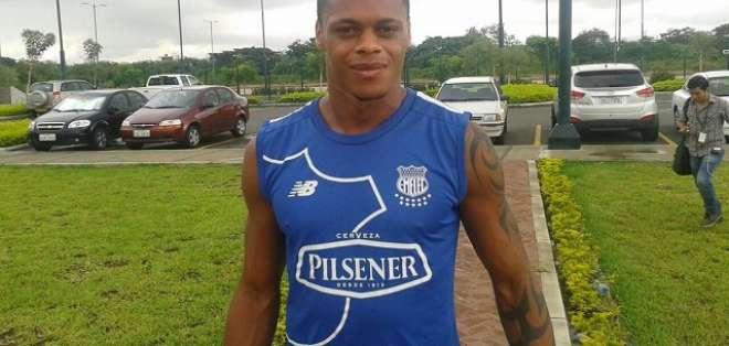 Henry León firma con Técnico Universitario