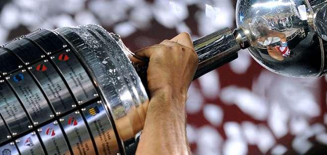Conmebol anunció que los duelos de los 'albos' y 'azules' se transmitirán por Fox Sports. Foto: Archivo