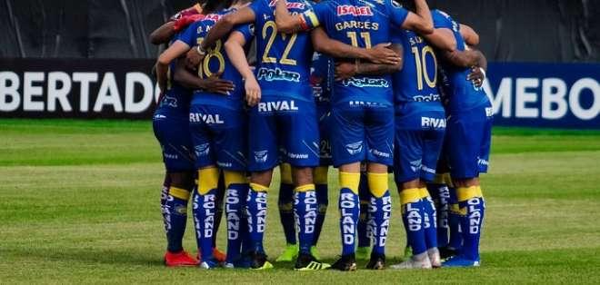 Jugadores de Delfín previo a un partido de Libertadores.