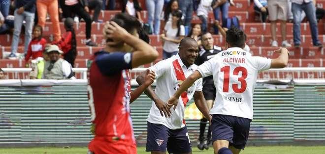 Los 'albos' utilizaron un equipo alterno ante los 'puros criollos' que vencieron 2-0. Foto: Archivo/API