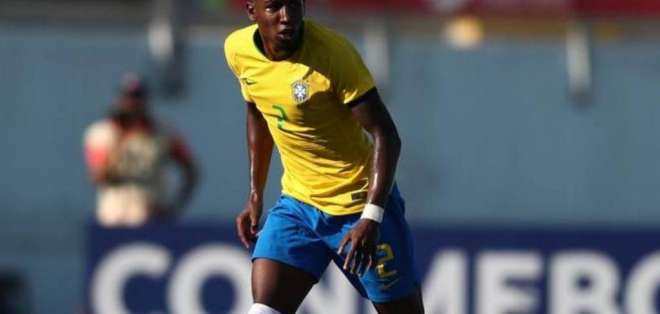 Emerson figura brasileña sub 20.