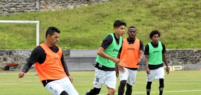 Entrenamiento de Deportivo Cuenca. Foto: Twitter Deportivo Cuenca.