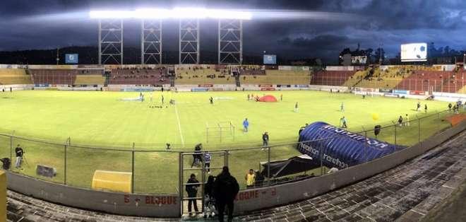 Estadio de Aucas previo al duelo ante Deportivo Quito. Foto: Twitter Aucas