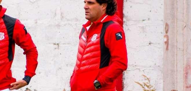 Fabián Frías, entrenador del club ambateño.