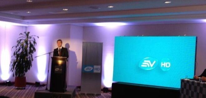 QUITO, Pichincha.- Pedro Jiménez presenta la nueva forma de ver televisión con Ecuavisa HD.