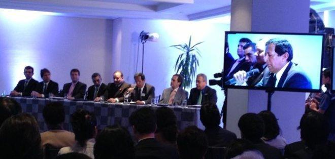QUITO, Pichincha.- La mesa directiva de Ecuavisa, Ricardo Vásquez, Leonardo Cumba y Patricio Jaramillo.
