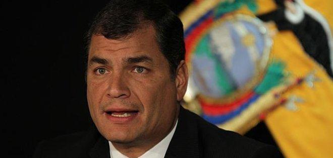 Rafael Correa asume su tercer mandato como Presidente de la República del Ecuador.