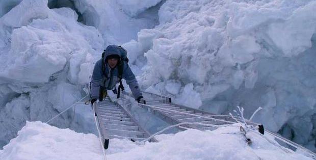 Aulestia llegó a la cumbre del Everest con oxígeno embotellado. Foto: Facebook Paulina Aulestia