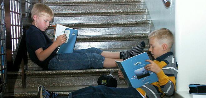 Los niños en Finlandia empiezan la escuela a los 7 años, mucho más tarde que en el resto del mundo. Foto: BBC