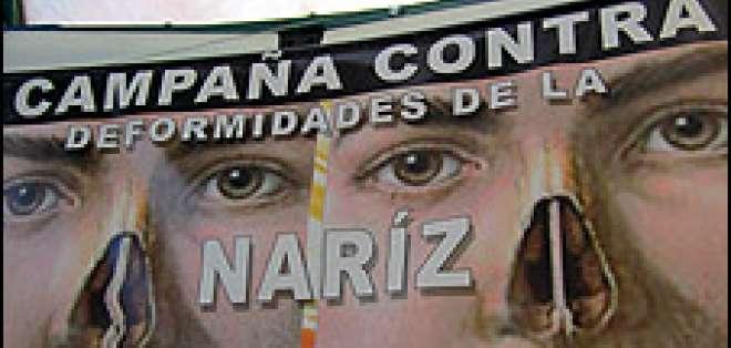 En Bolivia, una campaña incita a realizarse una cirugía estética en la nariz y otorga descuentos a los menos pudientes.
