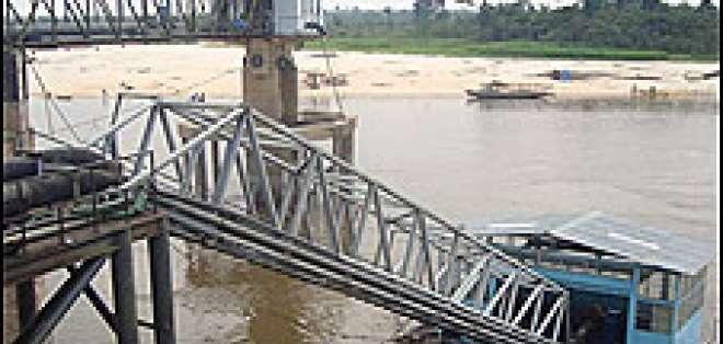En Perú las autoridades levantaron la alerta roja ante una leve mejora del nivel del agua.