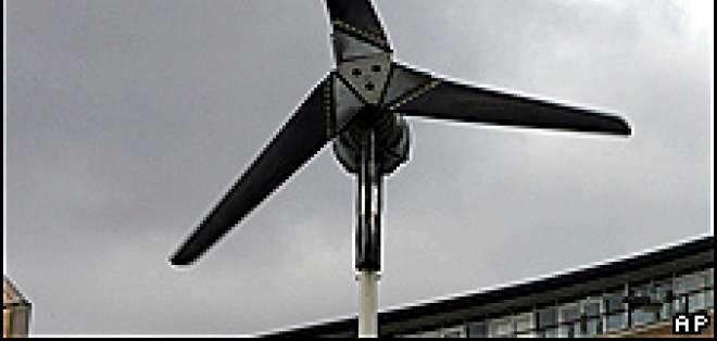 Aseguran que el color de los molinos de viento puede determinar qué tan peligrosos son.