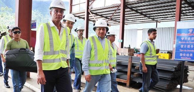 Jorge Glas visita el Proyecto Coca Codo Sinclair ubicado en las provincias de Napo y Sucumbíos. Foto tomada de la Vicepresidencia de la República
