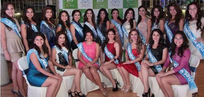 Candidatas a reina de Guayaquil en noche de talentos