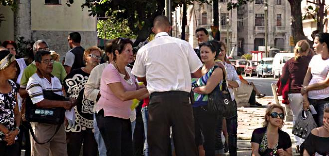 La reforma migratoria fue aprobada hace 8 meses en Cuba. Foto: cubanet.org