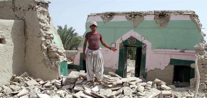 AWARAN, Pakistán.- El número de fallecidos por este segundo terremoto es de 12 y varias personas más resultaron heridas. Foto: EFE.