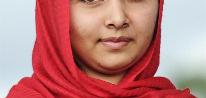 BIRMINGHA, Reino Unidoi.- Malala Yousafzai, la niña paquistaní abaleada por extremistas musulmanes por defender el derecho universal a la educación. Foto: EFE.