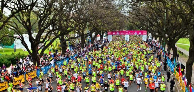 Ecuatoriana Rosalba Chacha fue tercera en la maratón de Bueno Aires. Foto: EFE