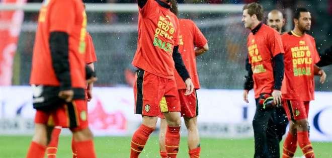 BRUSELAS, Belgica.- Gales impide a Bélgica festejar la clasificación con un triunfo. Foto EFE