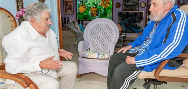 LA HABANA, Cuba.- José Mujica durante un encuentro con el expresidente cubano Fidel Castro tras haber participado en la II cumbre de la Celac. Foto: EFE.