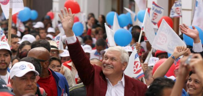 Tras su último periodo que finalizó en el 2009, regresa a la Alcaldía con el 44.59 % de votos. Foto: EFE.
