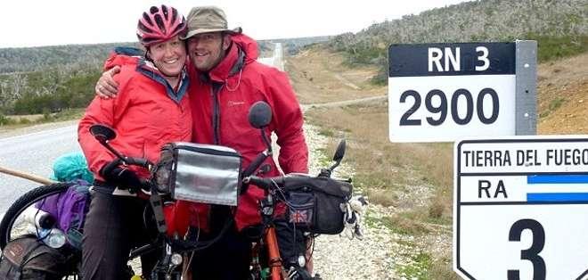 BOLIVIA.- Sharon Bridgman, de 38 años, murió arrollada el pasado sábado 26 de abril, en una autopista al sur del país. Fotos: Blog de la ciclista