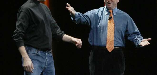 Por qué 64.000 empleados demandan a Google y Apple