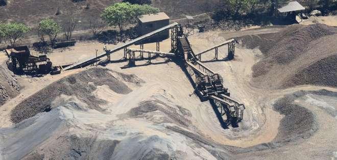 ¿Por qué un cartel de narcotráfico se dedica a la minería?