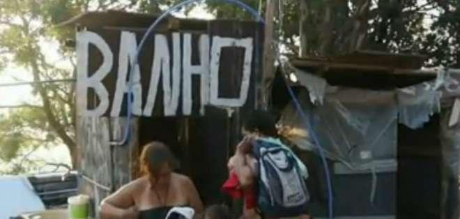 Brasil: lista de espera para vivir en tiendas de campaña