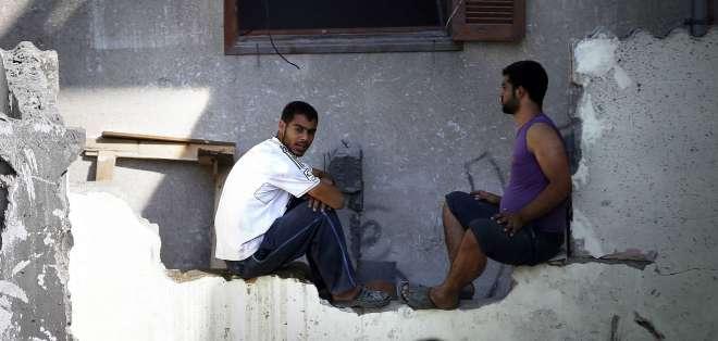 Israel tiene como principio avisar, generalmente por teléfono, antes de atacar un lugar donde hay civiles, para que éstos se vayan.