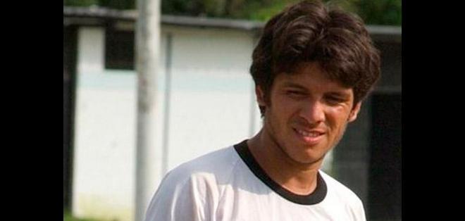 Wimper Guerrero de 35 años quedó subcampeón en la temporada 2006 vistiendo la camiseta del Club Sport Emelec.