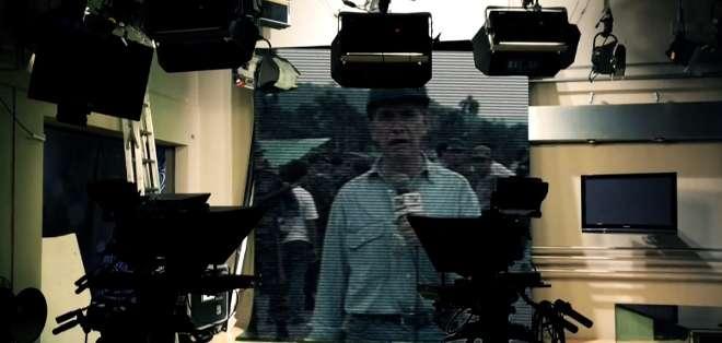 El presentador de noticias, Alfonso Espinosa de los Monteros, simplifica sus 47 años de trayectoria periodística en doce claves.
