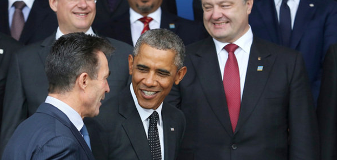 """""""Necesitamos atacarles a fin de impedir que tomen el territorio"""", dijo el responsable de la diplomacia de EEUU en Newport, Gales, donde se celebra la cumbre de la OTAN."""