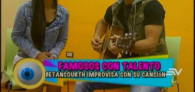 Aunque parecía difícil, este cantautor no tuvo dificultad alguna en acompañar su rima con el son de una guitarra.