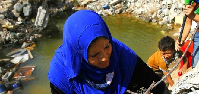 Un profesor, un barbero, una abuela y un constructor cuentan a la BBC cómo es vivir en Shejaiya.