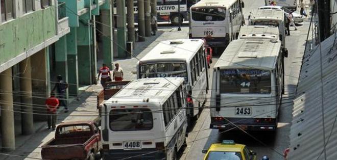 Durante una reunión anunciaron que exigirán al Municipio de Guayaquil que analice el alza lo antes posible.