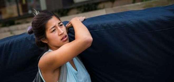 Emma Sulkowicz quiere que se tomen medidas contra el estudiante que, según ella, la violó en 2012.