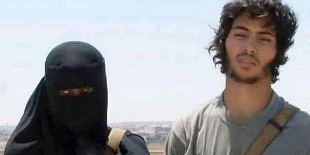 Khadijah Dare y su esposo Abu Bakr enviaron un mensaje por Twitter diciendo que ella deseaba matar a un rehén occidental.