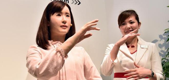 Esta cita obligada para los tecnófilos nipones se celebra hasta el sábado, y con sus aparatos de todo tipo es una ventana hacia el futuro.