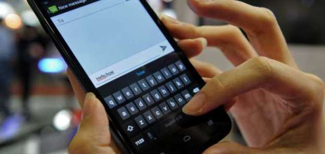 La familia continuó enviando mensajes de texto a la abuela que había sido enterrada con su teléfono móvil.