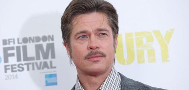 """""""Fury"""" sumerge al espectador en los últimos meses de la contienda en un tanque capitaneado por el sargento Collier, interpretado por Brad Pitt."""