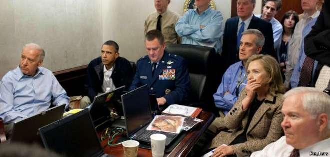 El presidente de Estados Unidos, Barack Obama, mientras se llevaba a cabo la operación para matar a Bin Laden.