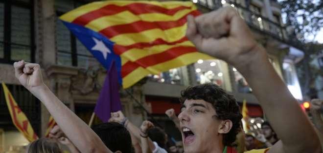 Cientos de miles de catalanes han acudido este domingo a votar en la consulta soberanista.