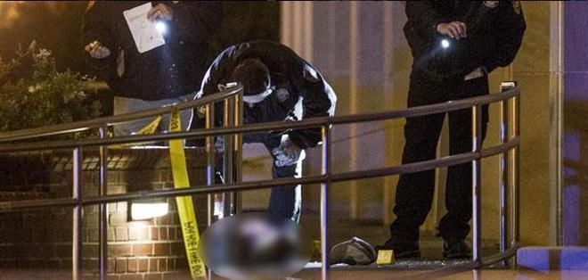 EE.UU.- La policía de la universidad disparó al atacante después de que este se negara a bajar el arma. Foto: Twitter