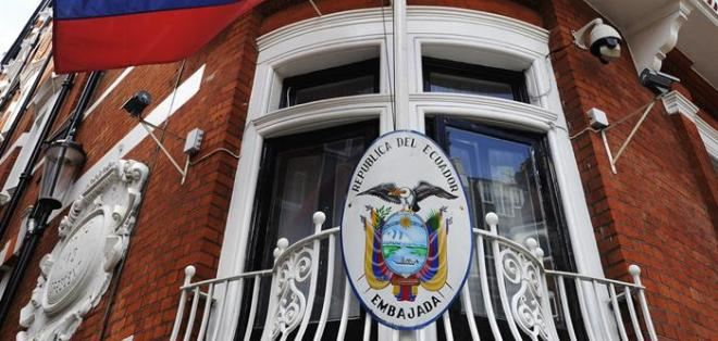 Ecuador ratifica asilo indefinido a Assange tras fallo de justicia sueca. Foto: EFE