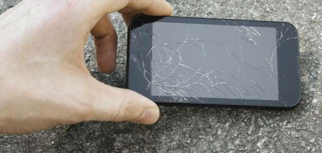 Que el smartphone se caiga y la pantalla se rompa es muy frecuente.