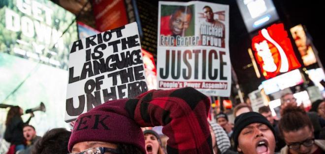 El jurado de Misuri decidió no juzgar al policía que Mató a Michael Brown. Foto: AFP