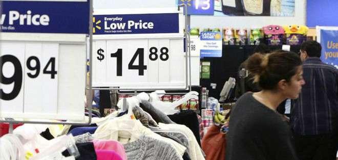 """Millones de estadounidenses salen de compras en """"Viernes Negro"""""""