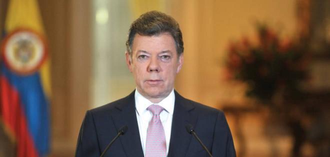 """Según Santos, """"es evidente que esa decisión contribuye a recuperar el clima propicio para continuar los diálogos de paz""""."""